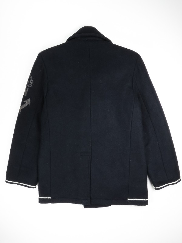 Double-breasted US navy blue peacoat